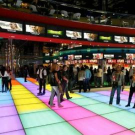 סינמה סיטי – רצפת זכוכית